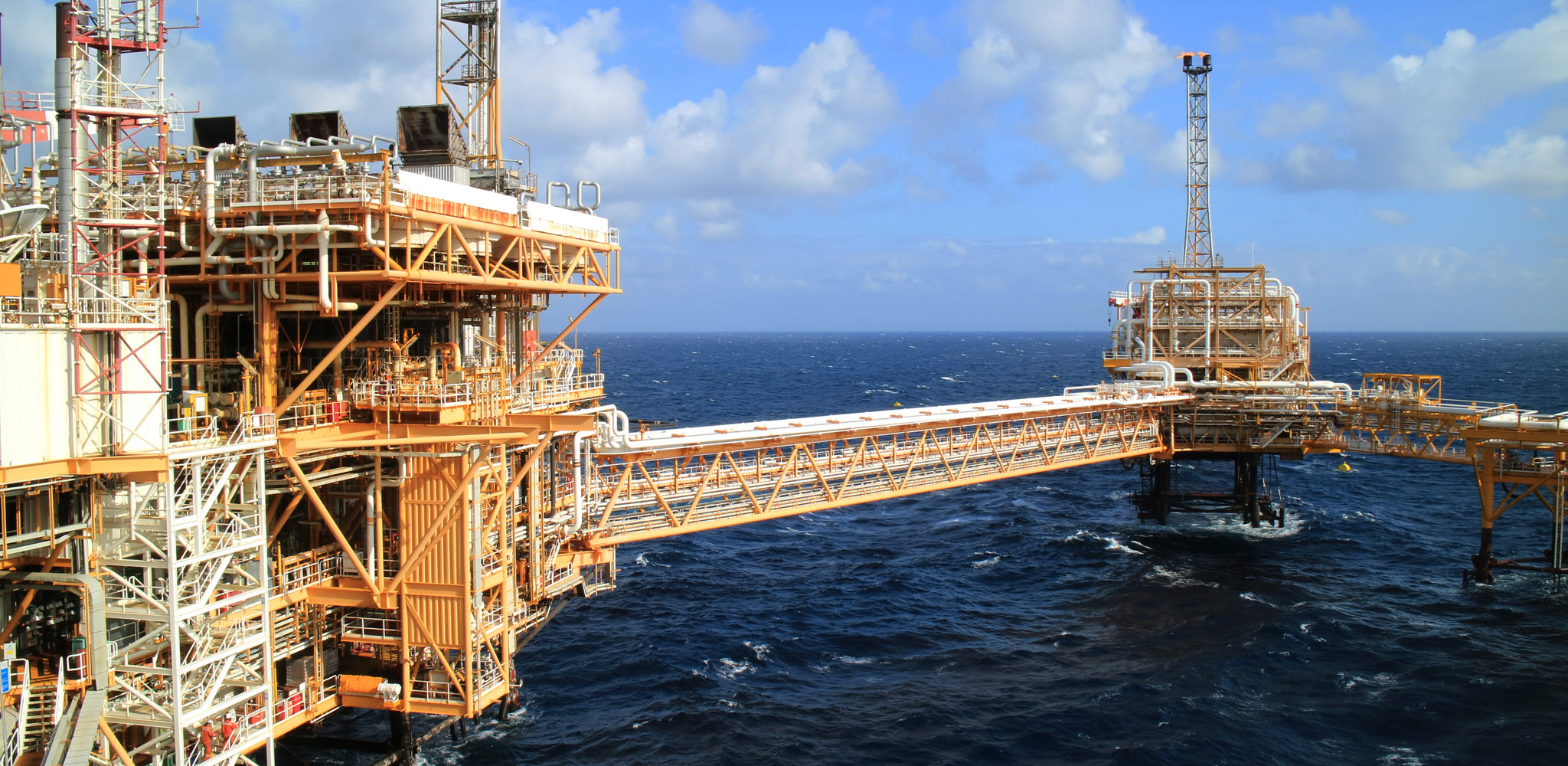 Oil and gas infrastructure decommissioning hero img